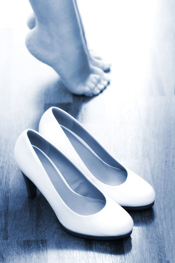 beautiful bridal shoes before the wedding Wedding Wedding Photography Wedding Day Bridal Bride Wife Woman Bridal Shoes Shoes Shoes ♥ Feet Ceremony Bride Shoes Girlfriend Girlfriends Close-up Day Indoors