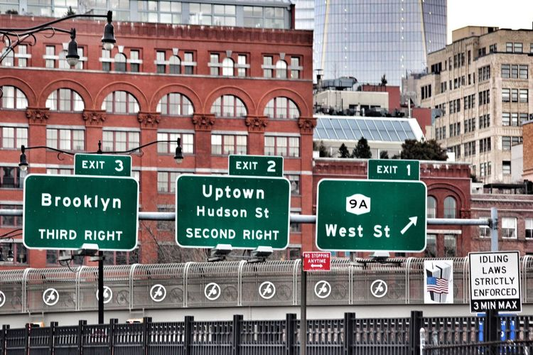 City Outdoors No People Exit Sign Day Architecture New York New York City Streetphotography Street Sign Traffic Traffic Sign Signs NYC NYC Photography Brooklyn Hudson River Street