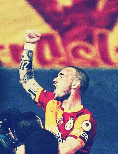 Sampiyon GALATASARAY GALATASARAY ☝☝ Galatasaray Cimbom 💛❤️ Tek Ask Galatasaray GALATASARAY <3 Sneijder Sneijder💕