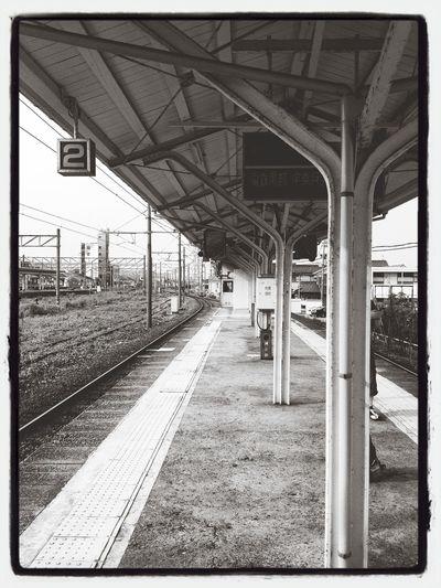 Waiting for the train to Unazukionsen