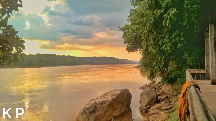 The Mekong river close to Vientiane. Tree Sunset Water Sky Nature Outdoors Cloud - Sky Laos ASIA Pease Love Earth Beauty In Nature Nature River