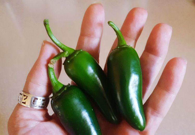 Human Hand Human Body Part Green Color Human Finger One Person Holding People Close-up Maximun Closeness Freshness Recipe Photo Green Food And Drink Jalepenos Spicy Food Fresh Produce Hot Garden Photography Harvest Stem Maximum Closeness Food Healthy Eating Ready-to-eat