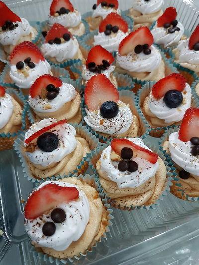 Sweet Food Food And Drink Indulgence No People Dessert Celebration Pavlovas Pavlova Cupcake Cupcakes Cupcake Colors Food Temptation Close-up