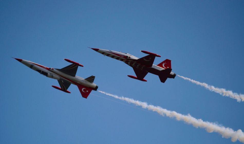 Türk Yıldızları 🇹🇷🎉🎊 Showcase June F16fightingfalcon F16 Sky Skyporn Sky_collection Turkishstars Turkey Flight Hello World Enjoying Life 43 Golden Moments