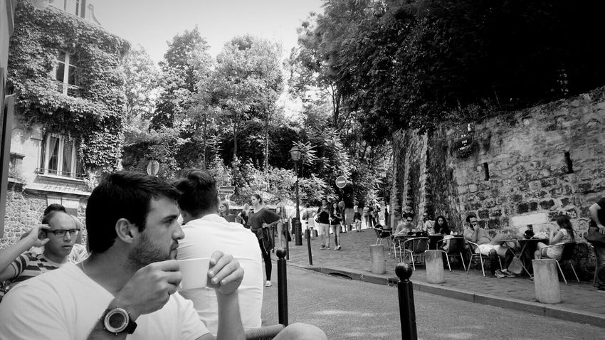Paris ❤ Lifestyles Paris, France  Paris ParisianLifestyle Europe Trip France 🇫🇷 France Culture Coffee Time Coffee Lovecoffee Coffeetime Sacrecoeurbasilica Sacrecoeurparis Relax Good Morning France Photos Parisian The Week On Eyem Viewfromthestreet Viewofthecity