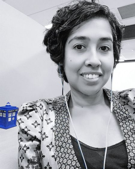October 1-Fandom Selfie (doing a geeky photo a day theme this month) 5ffphoto That's Me Tardis PhotoADay