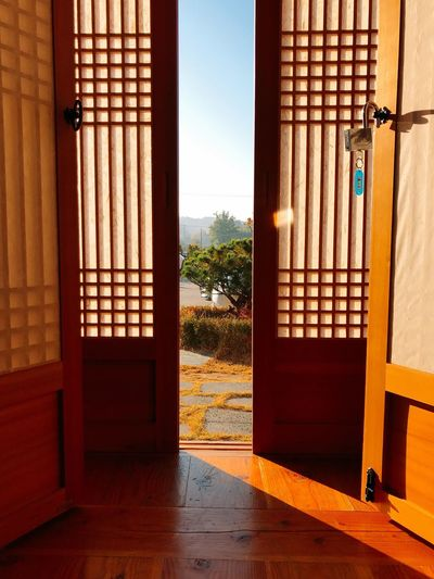 Morning Korea Trip Gyungju Hanok Korean-style House Architecture Built Structure Sunlight Day Entrance Door