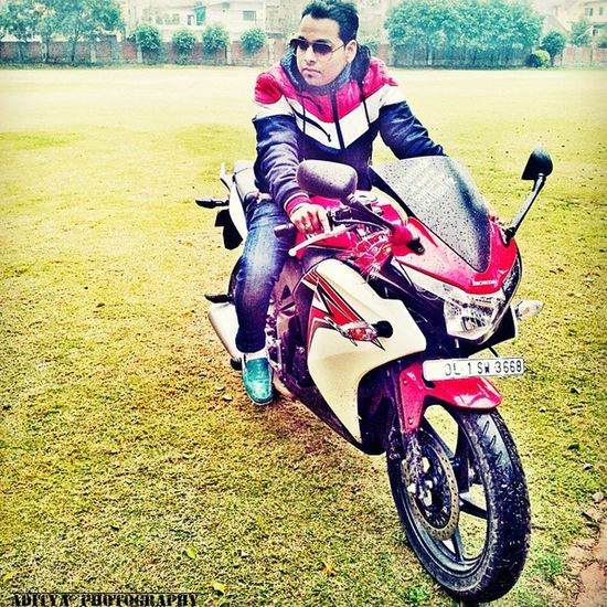 Honda Cbr Bike Love Shades Ride Style Capture Colours Speedlover Adityacatchme Hondacbr Perfectbike Niec College Fun Rainingday Wet Loveall Instacraze Instafollows Hashtags Nolimit Oldpic peace shoutsworld