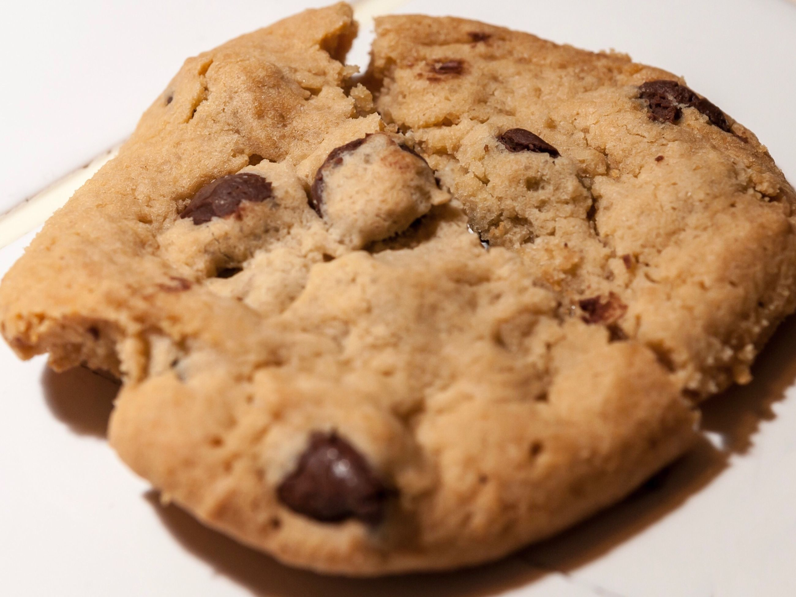 food and drink, food, sweet food, cookie, chocolate chip cookie, baked, dessert, indulgence, white background, chocolate chip, freshness, studio shot, close-up, no people, ready-to-eat, indoors, day