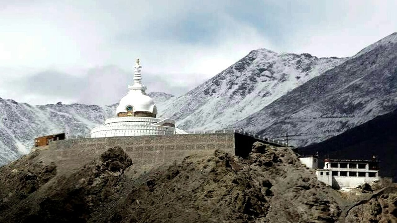 Shanti stupa @ Leh, Ladakh Ladakhdiaries Himalayan Range Shades Of Winter Shanti Stupa Buddhist Monastery Mountain Architecture Mountain Range Building Exterior Snow Nature