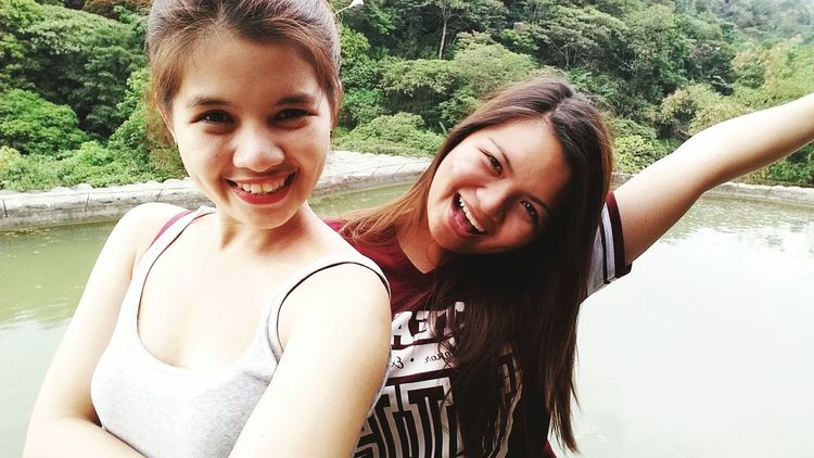 The temp is around 14°C but im wearing sleeveless. Not cold! Haha! Summer2015 Me And My Sister Happy People Happytime Lovelovelove Show Me That Smile Fun Bestfriend