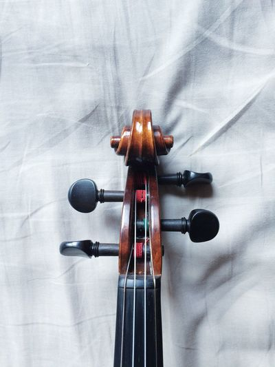 Minimalism Leisure Activity Indoors  Music Violin