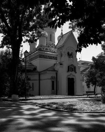 Bulgarie Building Exterior Architecture Religion Church Façade Spirituality Chapel Outdoors Outdoor Photography EyeEm Gallery Capture The Moment EyeEm Best Shots EyeEmBestPics B&w Photography B&w Street Photography