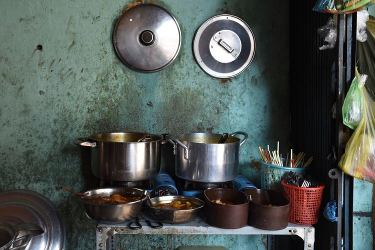Cooking in Cholan Appliance Choice Container Cooking Pan Cooking Utensil Domestic Kitchen Domestic Room Hanging Home Household Equipment Indoors  Kitchen Kitchen Utensil Large Group Of Objects Metal No People Saucepan Steel Still Life Stove Variation Wall - Building Feature