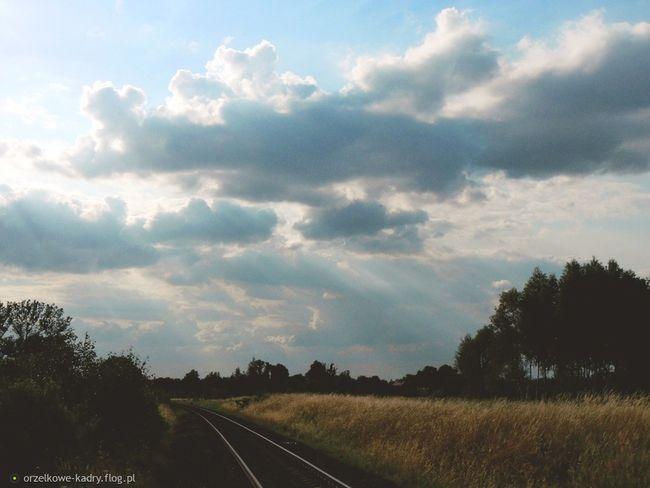 Crazyclouds Clouds And Sky Skyline Instasky Epicsky Clouds Nature Sky Beautiful Photoblogger Photographer📷 Cloudscape Cloudporn Clouds_of_our_world Sun Sunrise Sunset Sunshine Tracks Track Life Likeforlike Like4like L4l Follow4follow Followforfollow