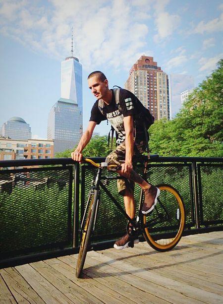 That's Me Hanging Out NYC Fixie Newyorkcity Fixedgear Purefix Bike Ride ILoveMyBike Freedomtower