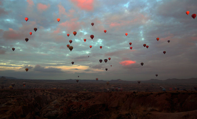 Balloon Flying Sky Sunset Hot Air Balloon Mid-air Togetherness Landscape Nature Day Multi Colored EyeEm Ready