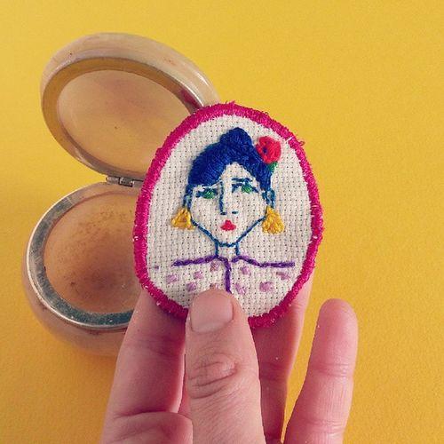 Spilletta in vendita sul mio @depopmarket (clorophilla) Handmade Sewing Cucitoamano Shop abbigliamento donna accessori spilla pezzounico clorophillaart