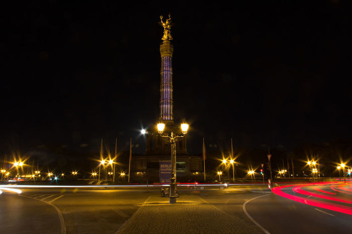 Beleuchtung Berlin Berlin Photography Berlin, Germany  Black Background Blurred CanonEOS600D Night Photography Nightphotography Siegessäule  Architecture Berliner Ansichten Blurred Background Blurred Lights Blurred Motion Canon Canonphotography Eos600d Festival Of Lights Festival Of Lights 2017 Illuminated Langzeitbelichtung Night No People Unscharf
