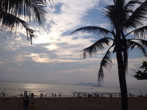 Beach Walk Morning Morning Sky Morning Walk Morning Life Beach View Fresh Air And Sunshine Fresh Air... Breathtaking Relaxing Relax Time  Relax Moment Beachphotography Viet Nam Beach Photography Beach Morning Vietnam Nice Day Nice Atmosphere Nice View Niceday Nice Morning Nice Weather Atmosphere