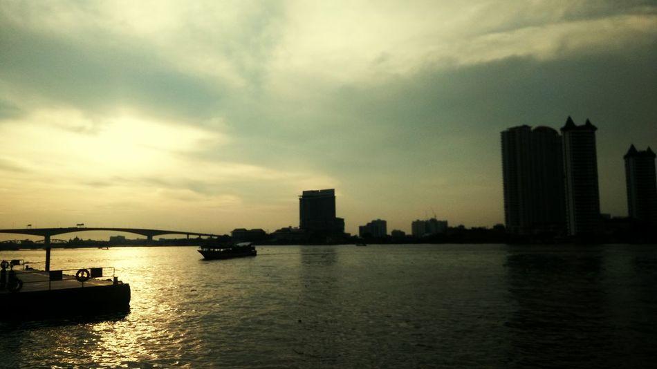 Sunset @ Asiatique