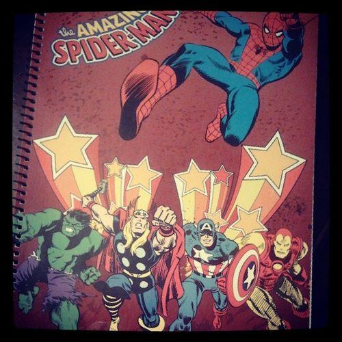 quem tem o caderno mas fixe de sempre? EU! Marvel Spiderman Ironman Thor  Hulk Comics Comicbooks Bandadesenhada Bd Homemaranha Homemdeferro CapitaoAmerica Captainamerica