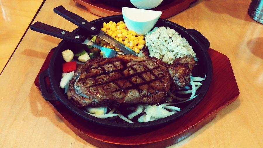 Delicious Steak 슈퍼스테이크 홍대맛집 오랫만에 칼질 좀 할게요. (꼬맙습니다~♥)