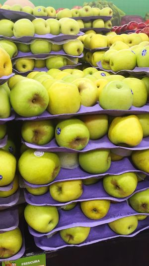 Fruit Healthy Eating Freshness Green Color Large Group Of Objects Full Frame For Sale Market Market Stall Food Apples Manzanas Food And Drink