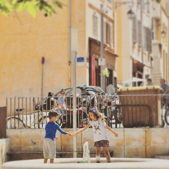 Jeux d'enfants 🏃 Nikonfr Nikonfrance Marseille Igersmarseille Massilia Lepanier Igerspaca Marseillerebelle Instameet Latergram Exponewhotel2015 Newhotelofmarseille Exponewhotel13 Street Urban