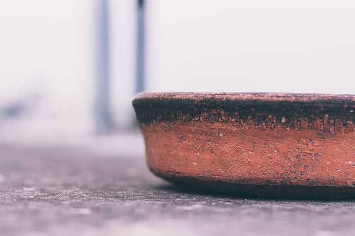 An empty mud bowl. Bowl Weekend Photography Canonphotography Colour Of Life Closeup Canon EOS700D Desaturated Still Life StillLifePhotography Lieblingsteil Art Is Everywhere Sommergefühle