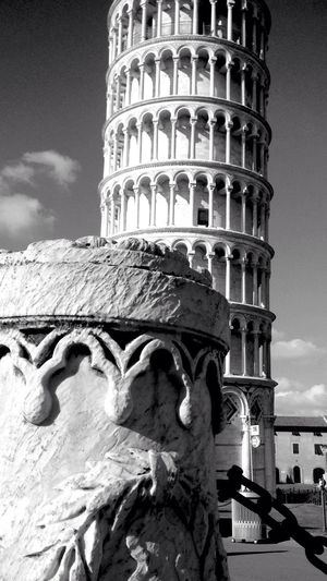 Pisa Tower Tour De Pise Italie Architecture Tourism Building Exterior History UNESCO World Heritage Site Culture Tuscany Built Structure Tower Monochrome EyeEm Best Shots - Black + White Blackandwhite Photography Blackandwhite Noir Et Blanc Here Belongs To Me Talking Pictures From My Point Of View My Favorite Photo IPhoneography Italy Photography Hello World