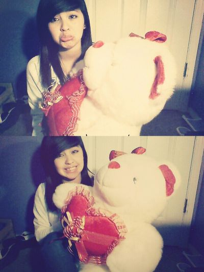 everyone left me yesterday but i had my bear. c': ♥