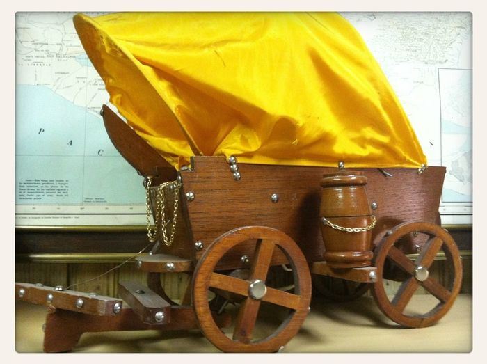 Wagon Lamp