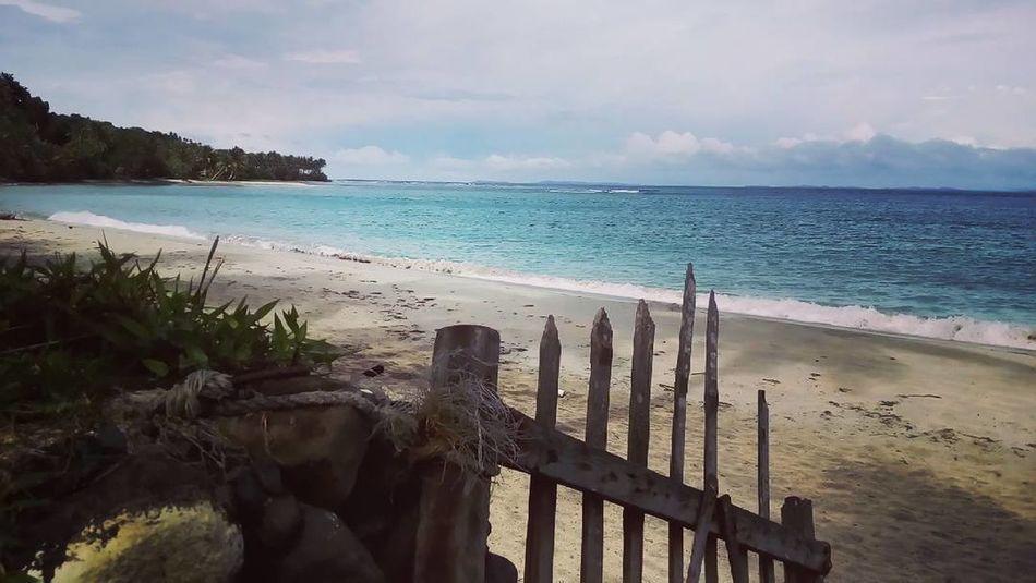 Summer getaway. Bicolandia Travel Destinations Sea Water's Edge Be. Ready. EyeEmNewHere Scenics Sand Tranquility Beach Canoneos450D