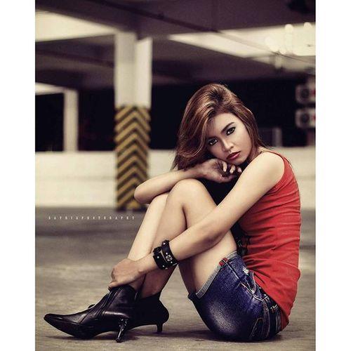 Nindya Okta Photoshot Mood Pose Basement sbaphotography like4like likeforfollow