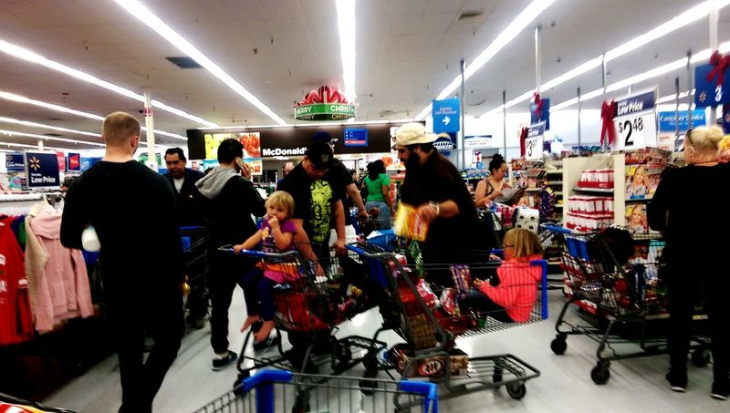 Adrenaline Junkie Single Dad Dads Shopping With Daddy Christmastime
