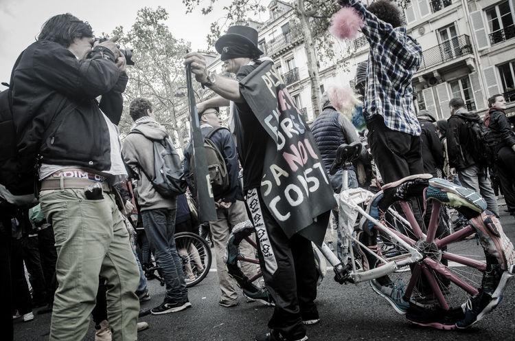 La manifestation contre la loi travail du 15 septembre 2016. Protest against Labor law in Paris, the 15th september 2016 15septembre Action Cops Labor Law Loitravail Manifestation Paris, France  Police Protest Riot Social Street Vandalism Violence Workers Loi Travail