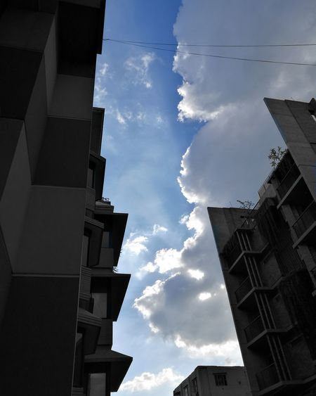 Urban glimpse of the sky ...... Check This Out Urban Urban Lifestyle Urbanphotography City City Life Cityscape City View  Sky Sky And Clouds Clouds Clouds And Sky Sun Sunshine Sunlight Mobile Photography Mobilephotography No Filter Sky Cloud And. Sun SkyCloudsSun Skybeautiful Sky Between Buildings Building Buildings & Sky Huawei P9 Leica