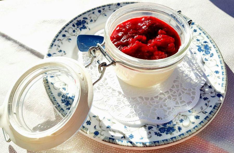 Rifugio Averau Cortina D'Ampezzo Dessert Pannacotta Lamponi  Raspberries Travelphotography Foodphotography Food Healthy Eating Red Freshness Happyness 2016