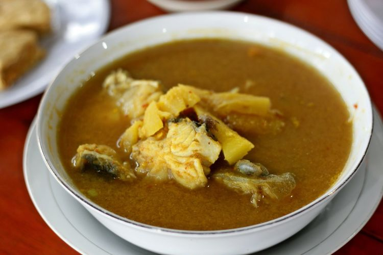 Belitong Food Belitong Travel Destination Belitung Belitung Island Belitung, Indonesia Bowl Close-up Day Fish Curry Fish Soup Food Food And Drink Freshness Gangan Fish Soup Healthy Eating Indoors  No People Ready-to-eat Soup