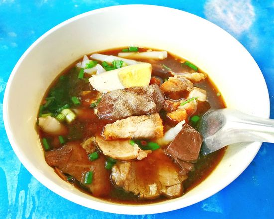 Crunchy Pork Soup (Guoy Jub). Crunchy Crunchy & Sweet Soup Soup Time  Soup Bowl Thai Food Thai Street Food Thaifood Thailand Photos Thai Style Thai Styles Thai Streetfood At Market