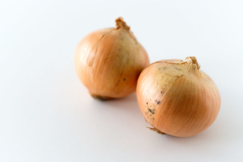 onion Still Life Onion Raw Food White Background Group Of Objects Cut Out No People Close-up Indoors  Vegetable Healthy Eating Freshness Studio Shot Food And Drink Food Japanese Food Hatamoto Shinichi