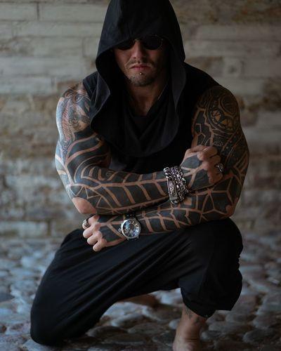 Assassin'game Assassin Body Sculpting Sculpting A Perfect Body Strongman EyeEm Selects Full Length City Portrait Hood - Clothing Hooded Shirt Wearing Samurai