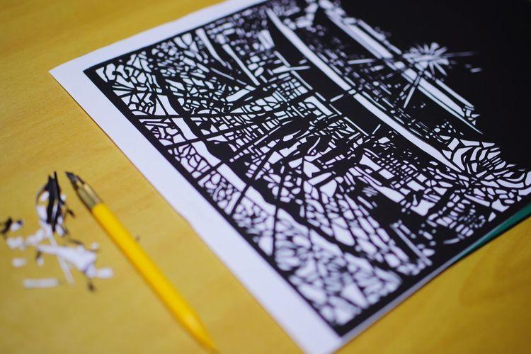 毎年楽しみな善光寺の灯明まつり❗今年は切り絵に初参加😆おかけでインドア生活(笑)展示されるかわかりません😝 Art And Craft 善光寺 (zenko-ji Temple) Yellow Close-up Art
