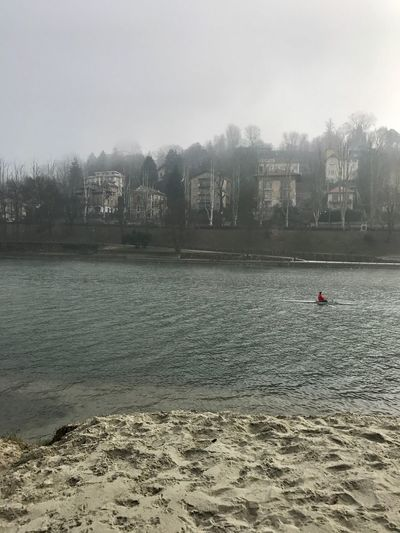 Nebbia Sabbia Fiume Vogatore River Po # Landscape Rower Evező Folyo Homok Part KOD Mattina Reggel Morning Ioamotorino Wheniwasanapple