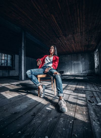 Portrait Lostplaces EyeEmNewHere Portrait Of A Woman EyeEm Best Shots EyeEm Gallery EyeEm Selects Abandoned Buildings Light And Shadow Women Young Women Portrait Of A Woman portrait of a friend Portrait Sonyalpha Shadows & Lights Ghetto