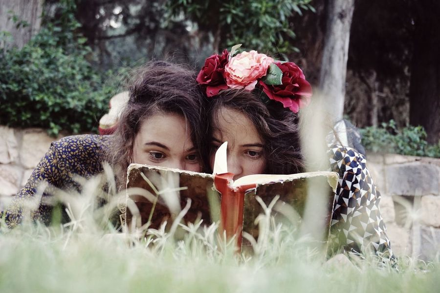 THESE Are My Friends 😙 Twins New Years Resolutions 2016 Flowers Book Vintage Books Vintage Style Fashion Beuty Dresses Reading Happiness Love In The Air Woman Adventure Buddies Learn & Shoot: Working To A Brief Pastel Power Women Who Inspire You Israel People Together Uniqueness Women Around The World Be. Ready.