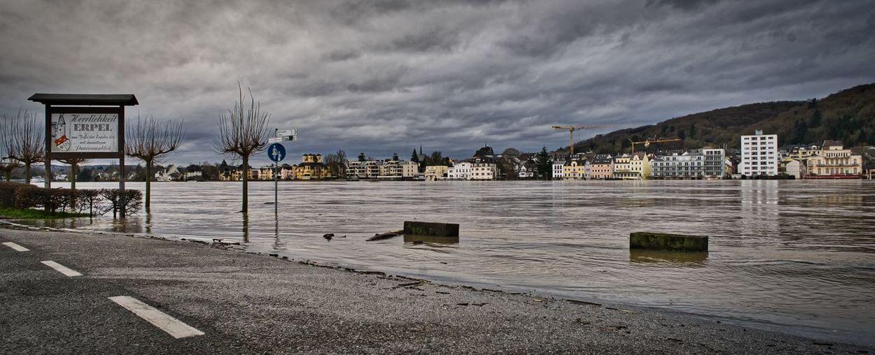 Hochwasser in Erpel 2018 25 Mm Hochwasser Hochwasser Rhein 2018 Rhein A7ii Altglass Cloud - Sky Contax Nature No People Sky Water Zeiss