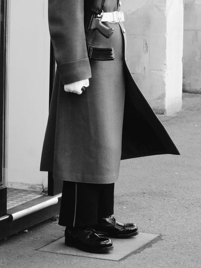 Real People Standing Men Beefeater Castle Discipline Postcode Postcards Guarding Guard London Uniform Windsor Castle Windsor Blackandwhite Black And White Light And Shadow Black & White Blackandwhite Photography Guards Shoes One Person Day Well-dressed Adult People