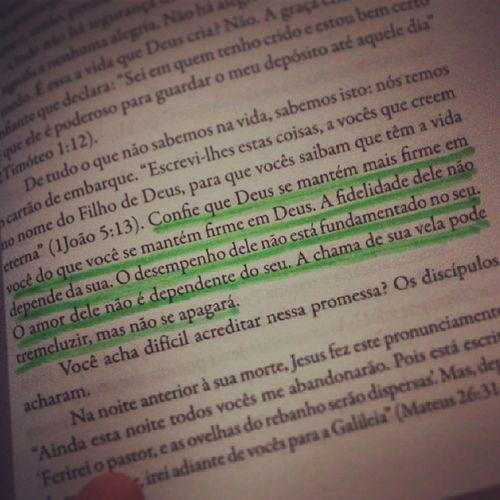 Max Lucado e suas sábias palavras. Livro  Gra ça MaiorDoQueImaginamos MaisDoQueMerecemos